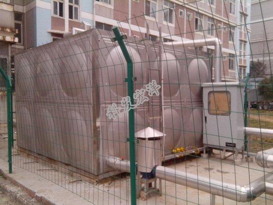 """笔者认为,规范的制定应该是周密且能被方便使用的。""""建规""""第8.4.1条规定,当建筑物内设有消火栓、自动喷水灭火设备时,其室内消防水量应按需要同时开启上述设备的用水量之和计算;""""建规""""第8.4.4.2条规定,消防水箱应储存10min的消防水量;""""高规""""第7.4.7.1条规定,一类公建、二类公建和一类居住建筑、二类居住建筑的消防水箱储水量分别≥18m、≥12m、≥6m3;""""高规""""第7.2.1条也明"""
