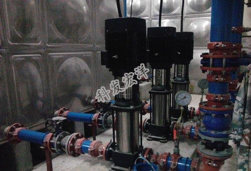 不锈钢水箱和泵房